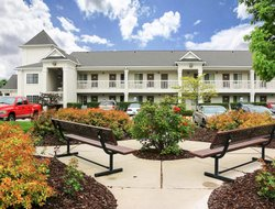 Pets-friendly hotels in Murray