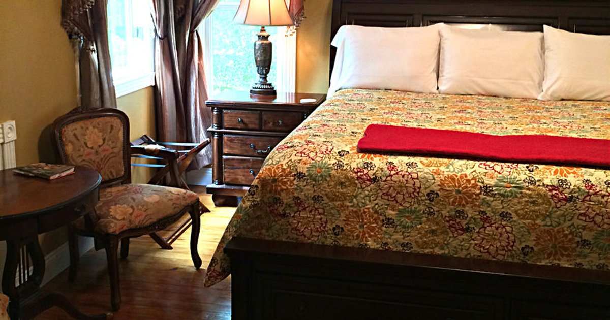 White Oak Manor Bed and Breakfast