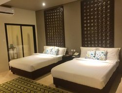 Tacloban hotels with restaurants