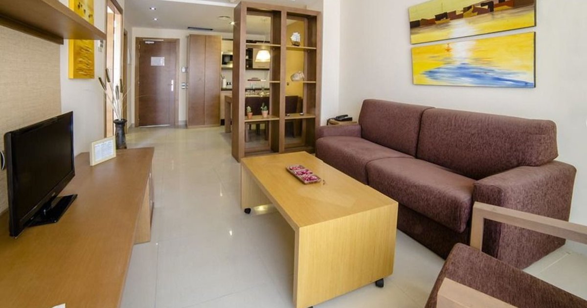 Sand Cunit Aparthotel (ех. Manhatan Suites Cunit)