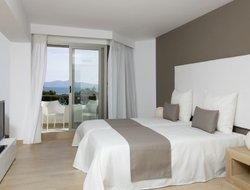 Platja de Muro hotels with sea view