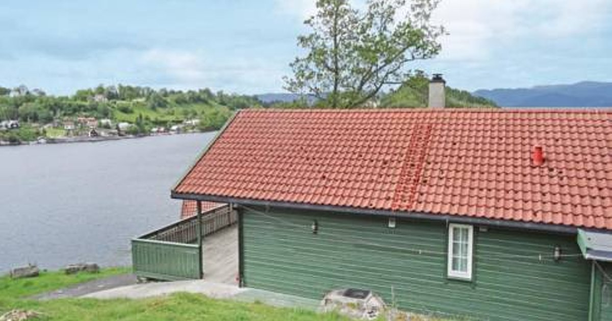 Holiday Home Sjernaøy with Sea View 02