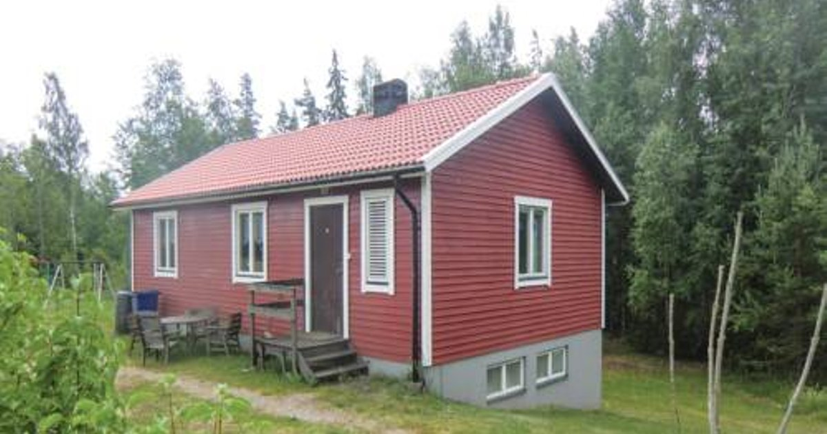 Three-Bedroom Holiday Home in Norrhult