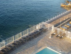 Agay hotels with sea view