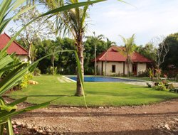 Banyuwedang hotels with swimming pool