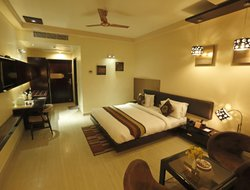 Ajmer hotels with swimming pool