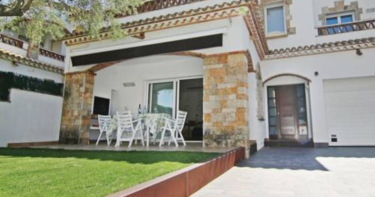 Three-Bedroom Holiday Home in Platja d'Aro
