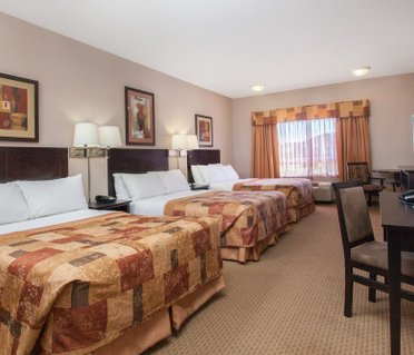 Ramada Inn & Suites Brooks