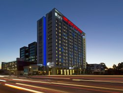 Perth hotels with river view