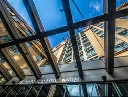 Top-3 hotels in the center of Rosslyn