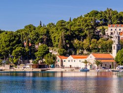 Cavtat hotels with Russian personnel