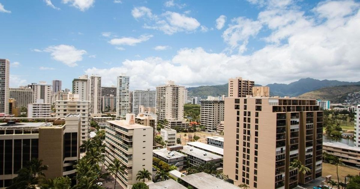 Waikiki Banyan Tower 1 Suite 1602