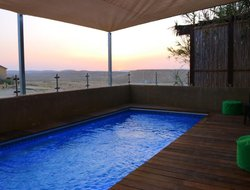 Mitzpe Ramon hotels with swimming pool