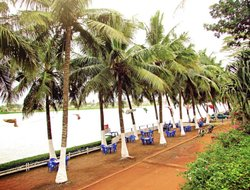Top-6 hotels in the center of Lome