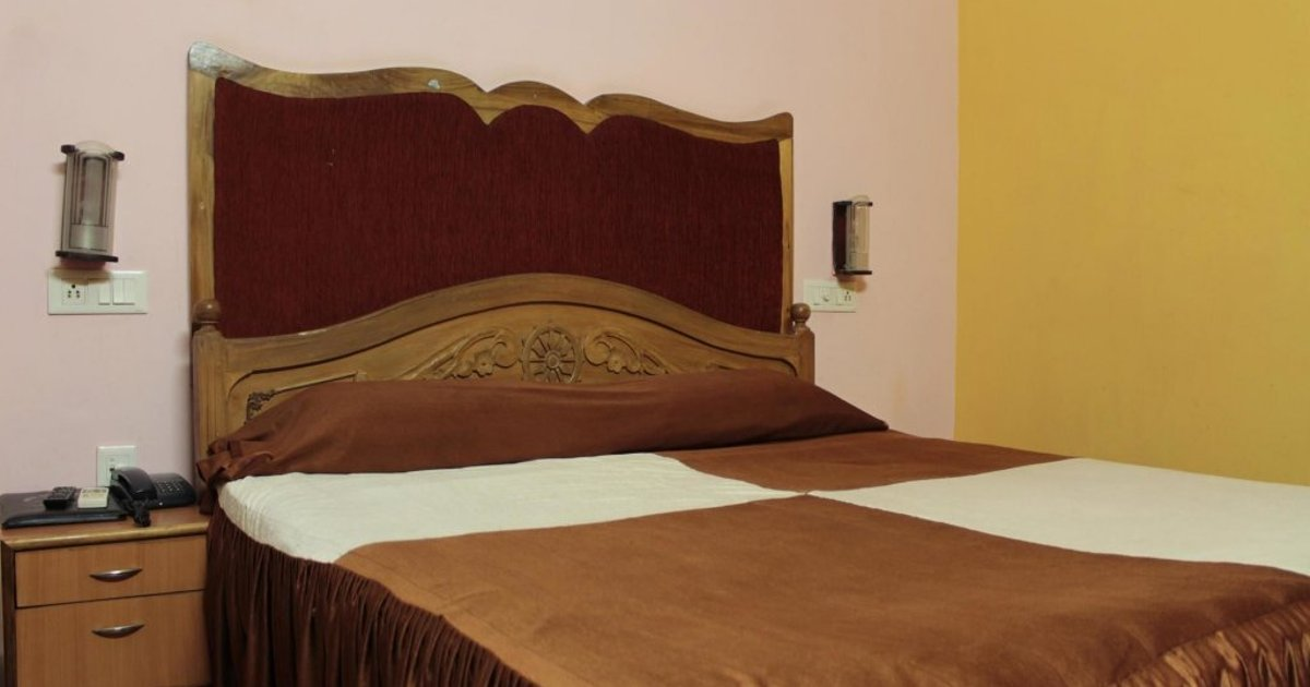 Oyo Rooms Rajmahal Square