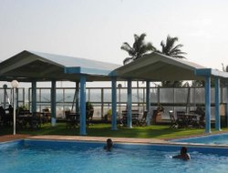 Lome hotels with swimming pool
