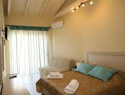 Mikros Gialos hotels with sea view