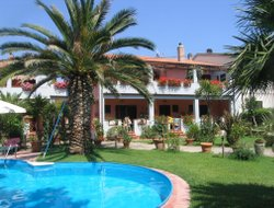 Campo nell'Elba hotels with swimming pool