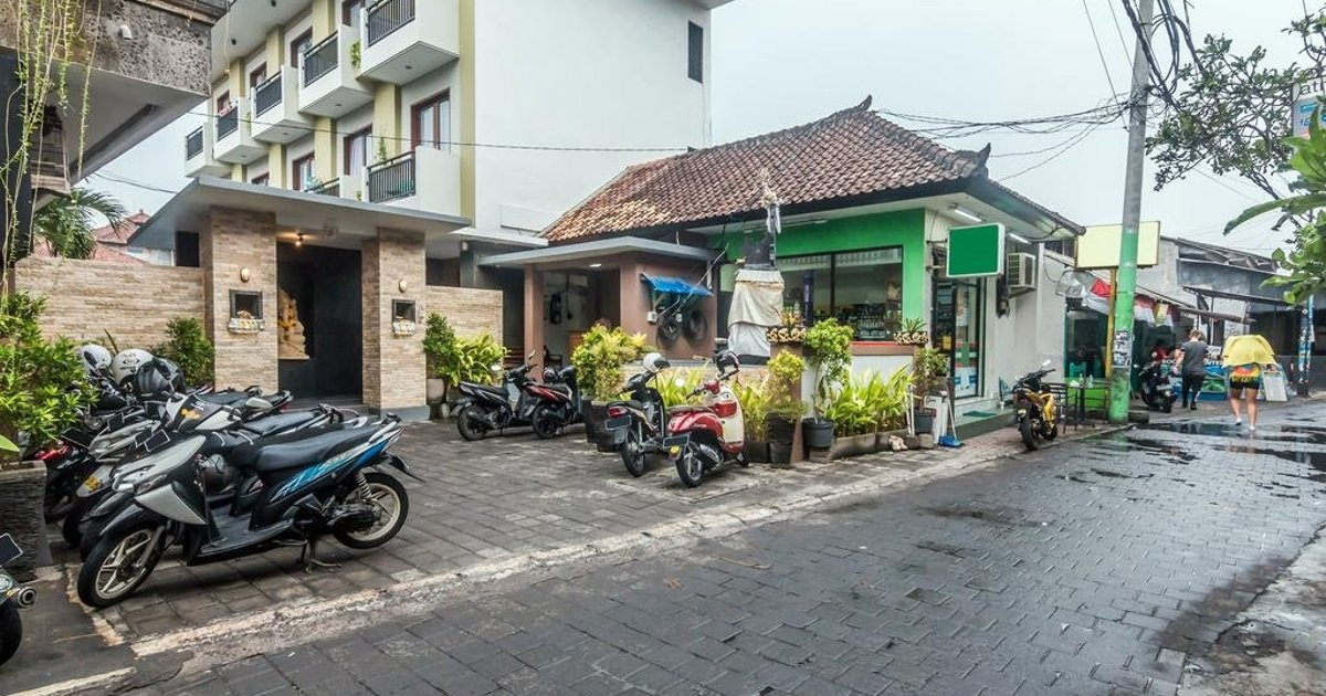 ZenRooms Kuta Poppies Lane