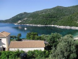 Lefkada Island hotels with restaurants