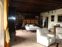 Pets-friendly hotels in Fuentelespino de Haro