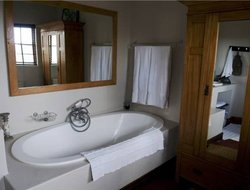 Knysna hotels with swimming pool