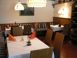 Bad Aussee hotels with restaurants