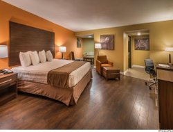 Boulder City hotels with swimming pool