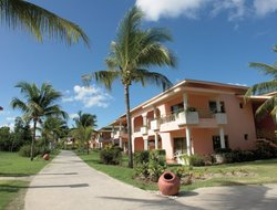 Holguin hotels with restaurants