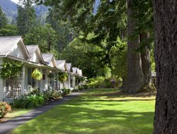 Top-3 romantic Port Angeles hotels