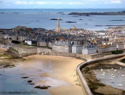 St. Malo hotels with swimming pool