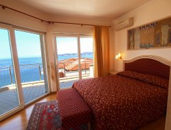 Crveni Vrh hotels with swimming pool