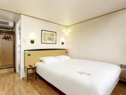 Pets-friendly hotels in Evreux