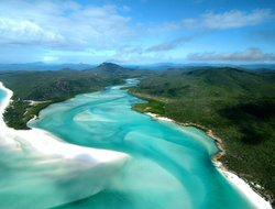 Hamilton Island hotels with restaurants