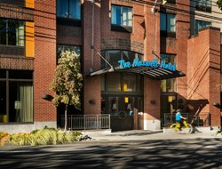 Seattle hotels with restaurants