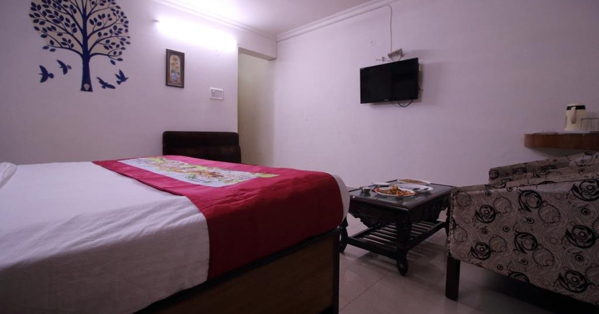 OYO Rooms Near Nagar Nigam Office