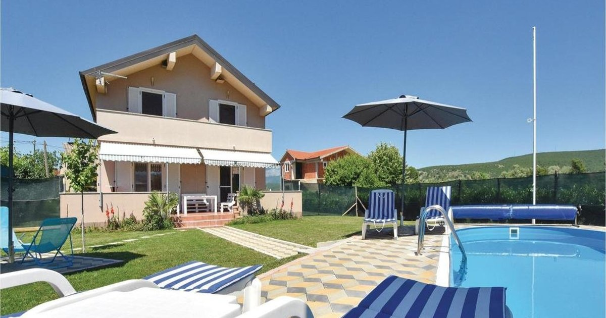 Holiday home Trilj 85 with Outdoor Swimmingpool