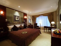 Top-10 romantic Macau hotels
