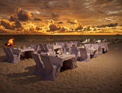 Maldives hotels with restaurants