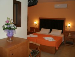 Pets-friendly hotels in Tolon