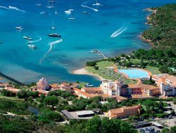 Porto Cervo hotels with Russian personnel