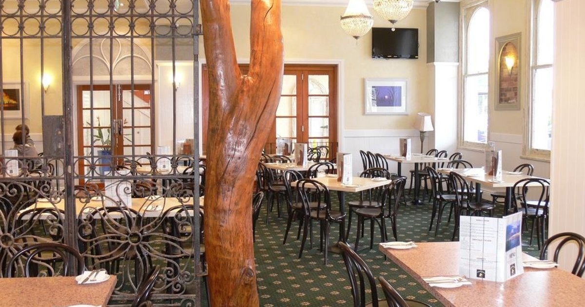 The Yarrawonga Hotel