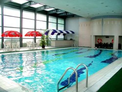 Urumqi hotels with swimming pool