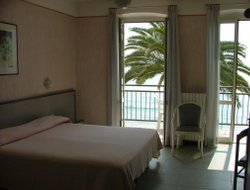 Alassio hotels with sea view