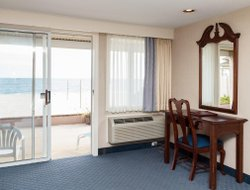 South Yarmouth hotels with sea view