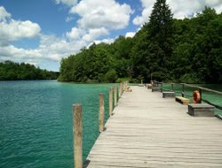 Plitvice Lakes hotels with lake view