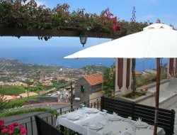 Camara de Lobos hotels with swimming pool