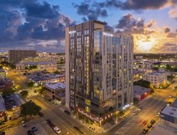 Top-10 hotels in the center of Austin