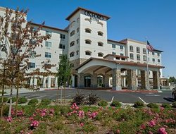 Pets-friendly hotels in Rohnert Park