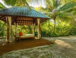 Anse Kerlan hotels with restaurants
